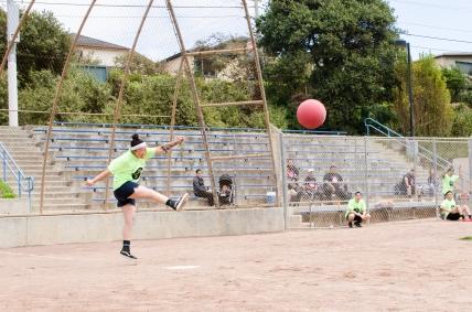 fall2016_kickballtournament_070